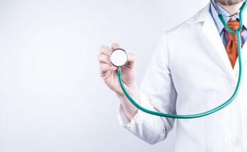 Ile zarabia lekarz medycyny pracy